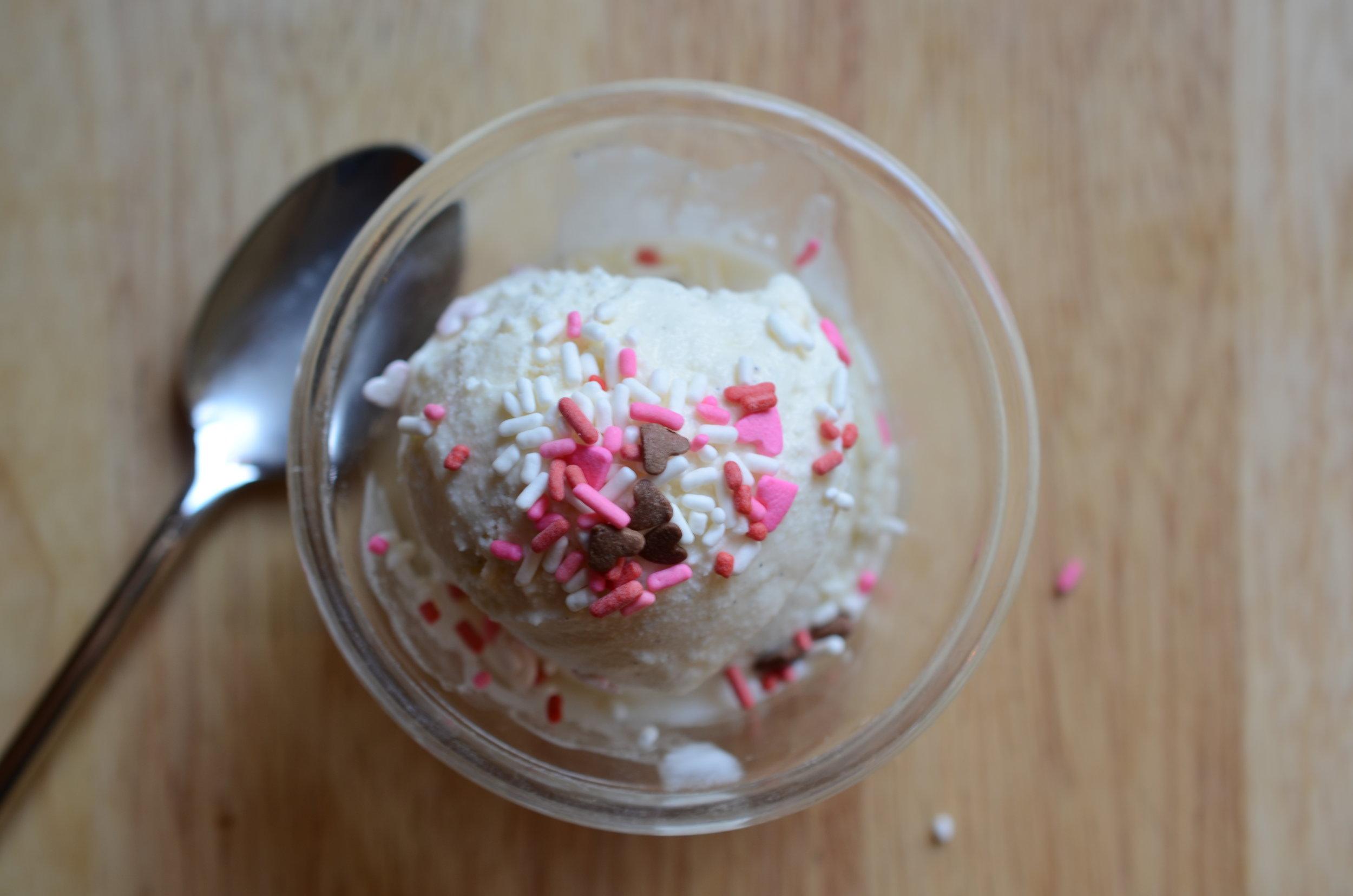 vanilla-ice-cream-sprinkles