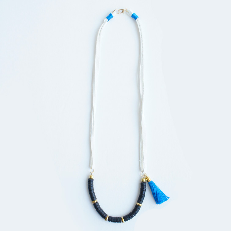 Leather strings tassel necklace blue