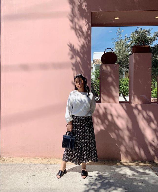 〰️ Meet me at Melrose Place. . . . . #losangeles #melroseavenue #melroseavenue #fayyysbirthdaytrip2019 #fayyytravels #ootd #fashion