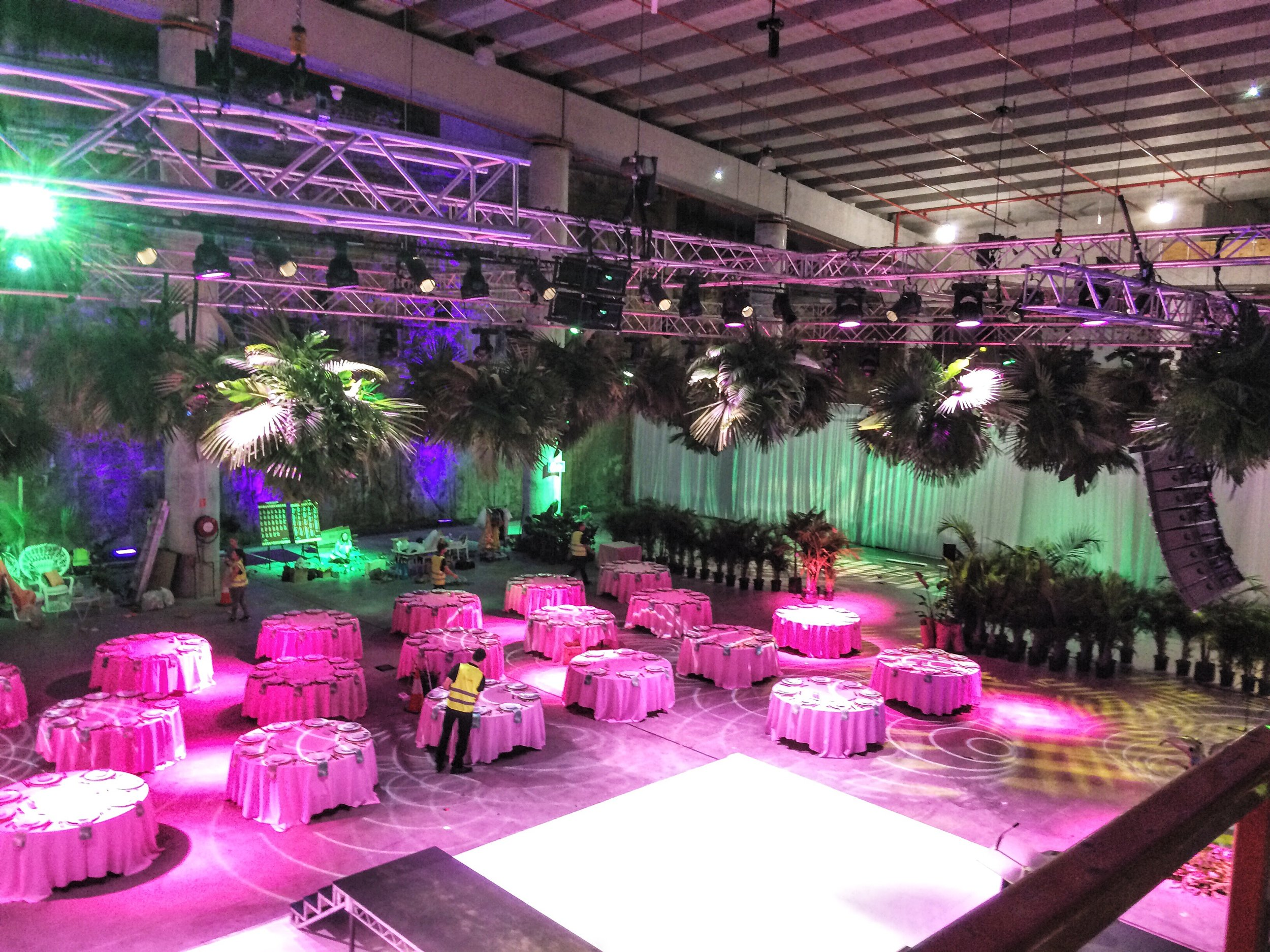Large scale event florals are also our thing!