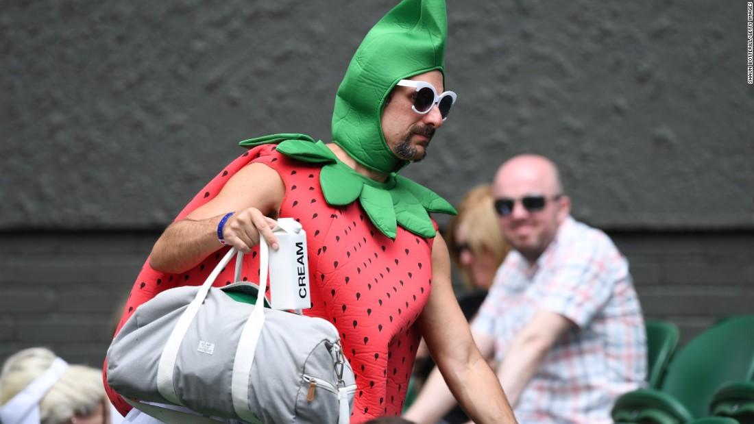 160714124638-wimbledon-starwberry-man-2016-super-169.jpg