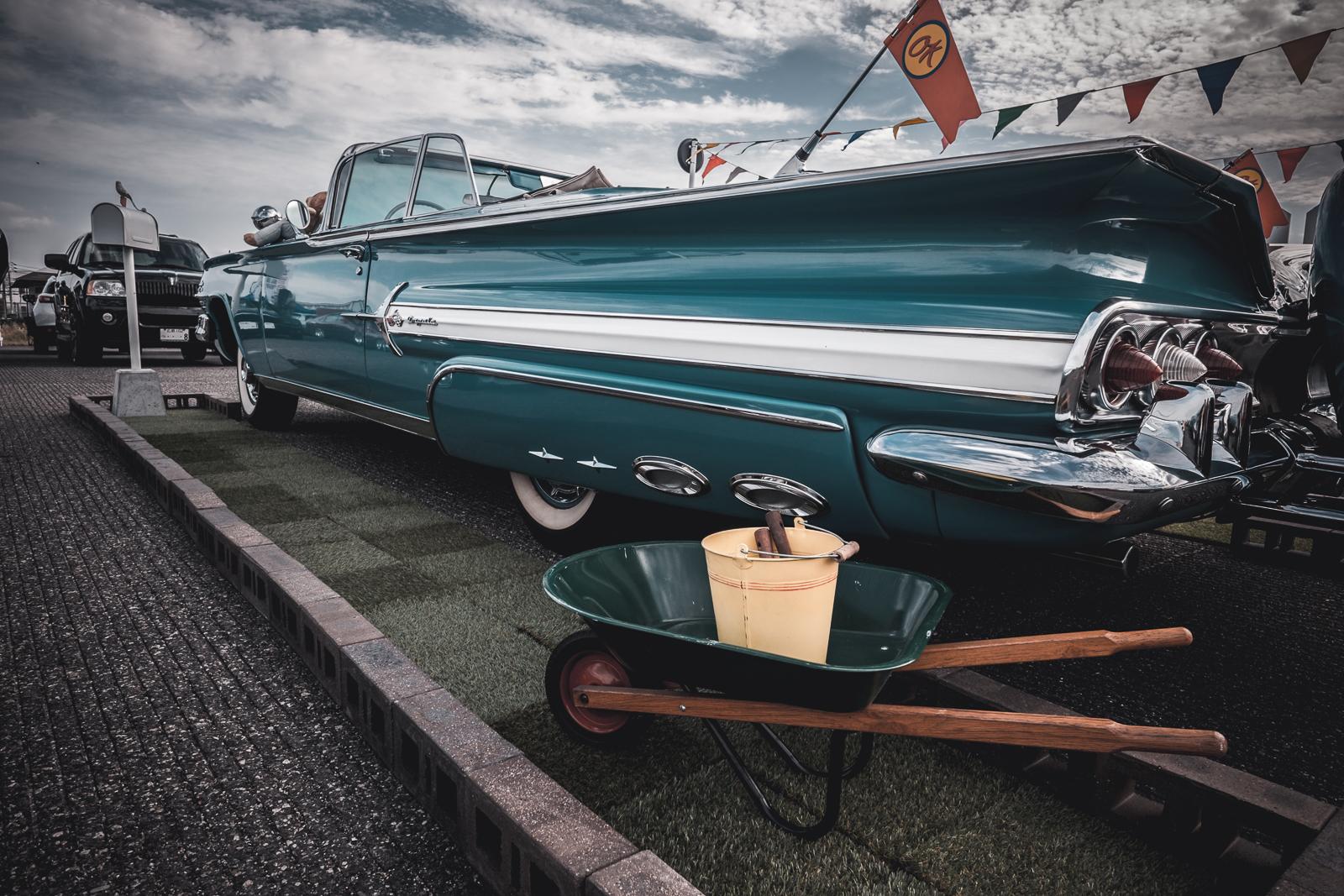 1960 Chevrolet Impala side.