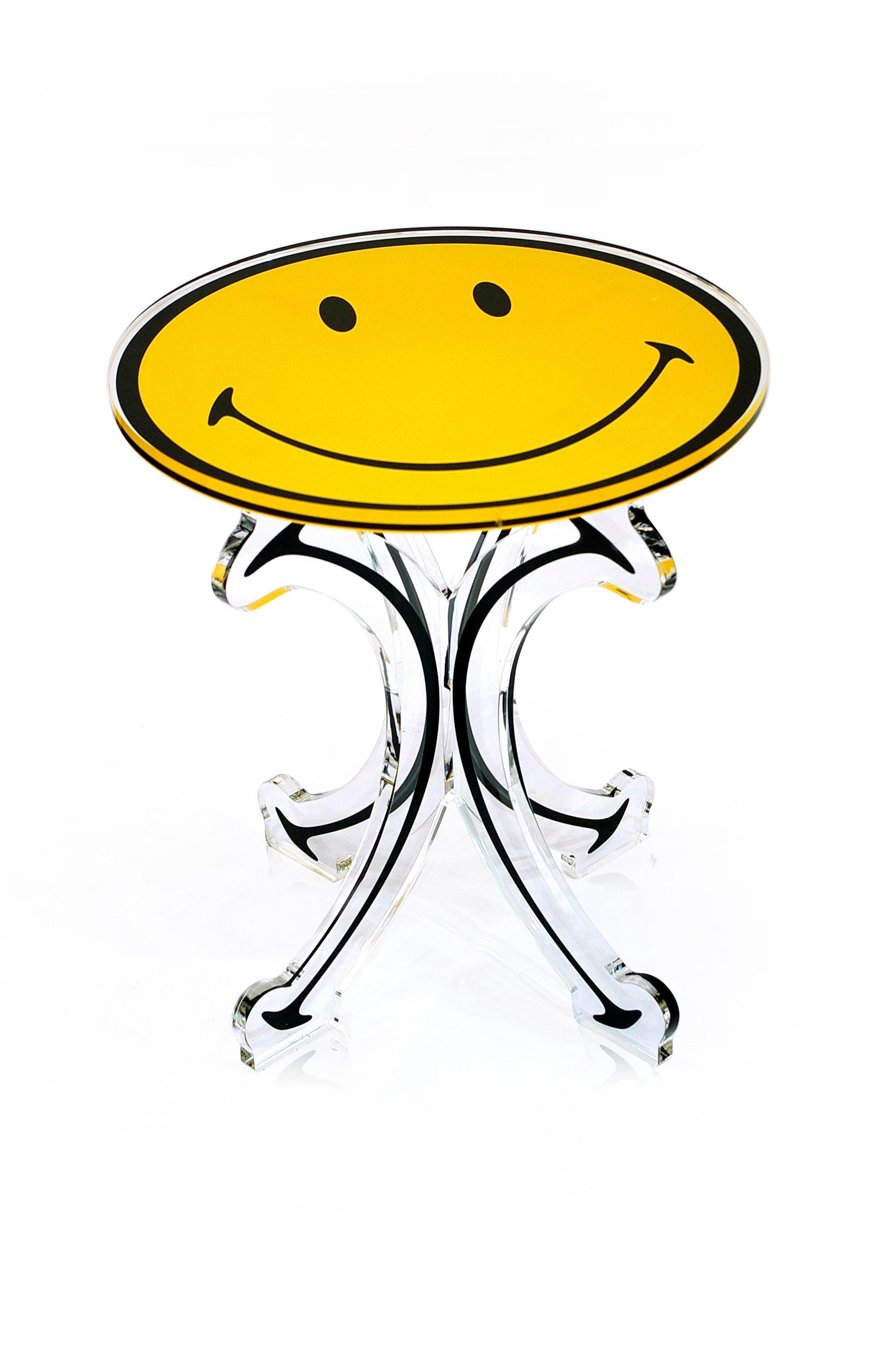 petite table smiley.jpg