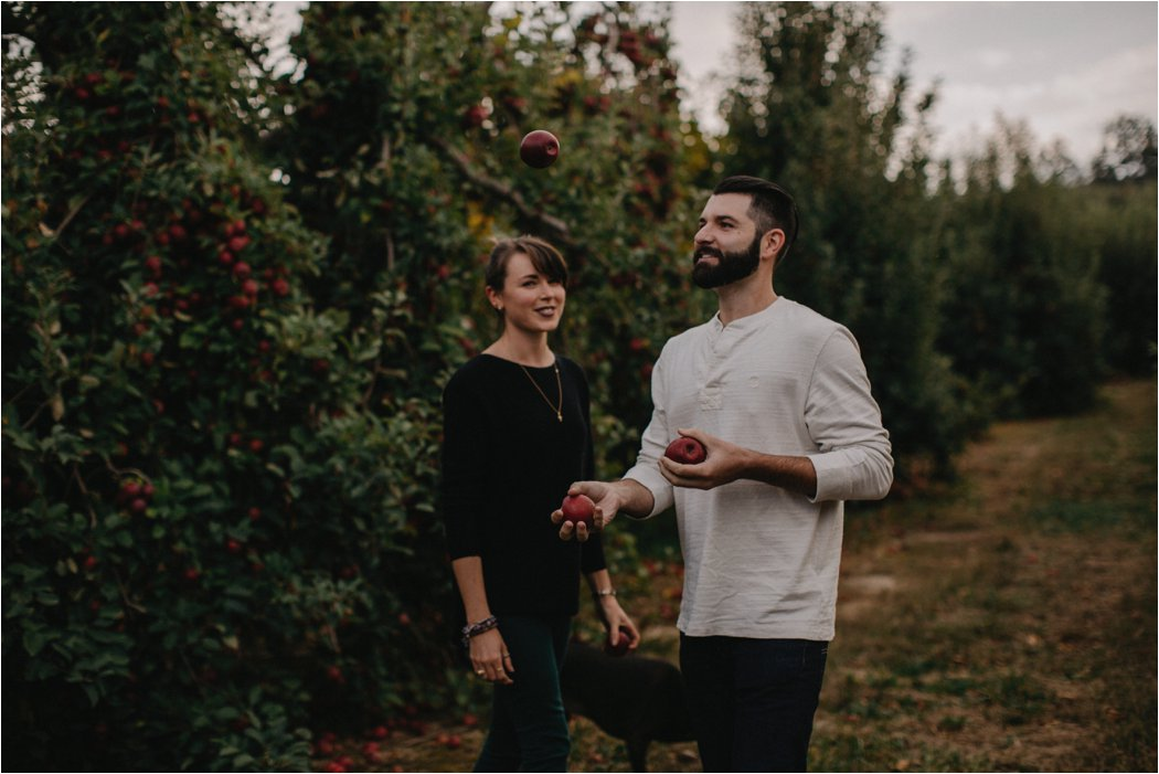 juliet-kail-wnc-apple-orchard-asheville-engagement_0011.jpg
