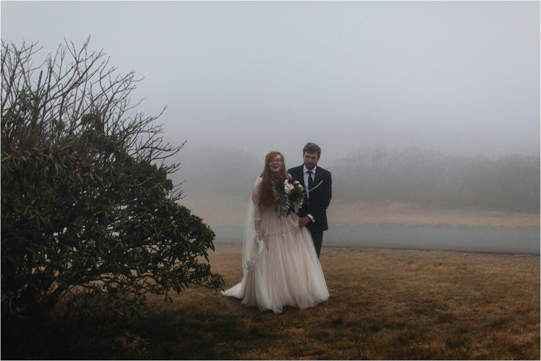 ashlyn-aaron-craggy-gardens-asheville-foggy-elopement_0023.jpg
