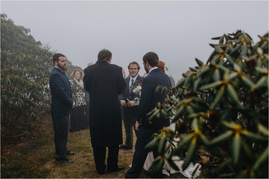 ashlyn-aaron-craggy-gardens-asheville-foggy-elopement_0030.jpg