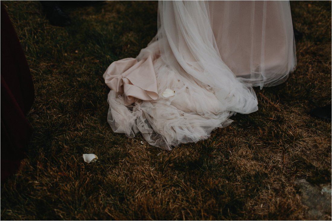 ashlyn-aaron-craggy-gardens-asheville-foggy-elopement_0054.jpg