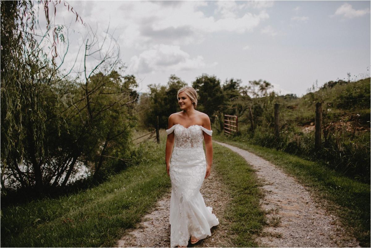 claxton-farm-summer-intimate-wedding-asheville_0010.jpg