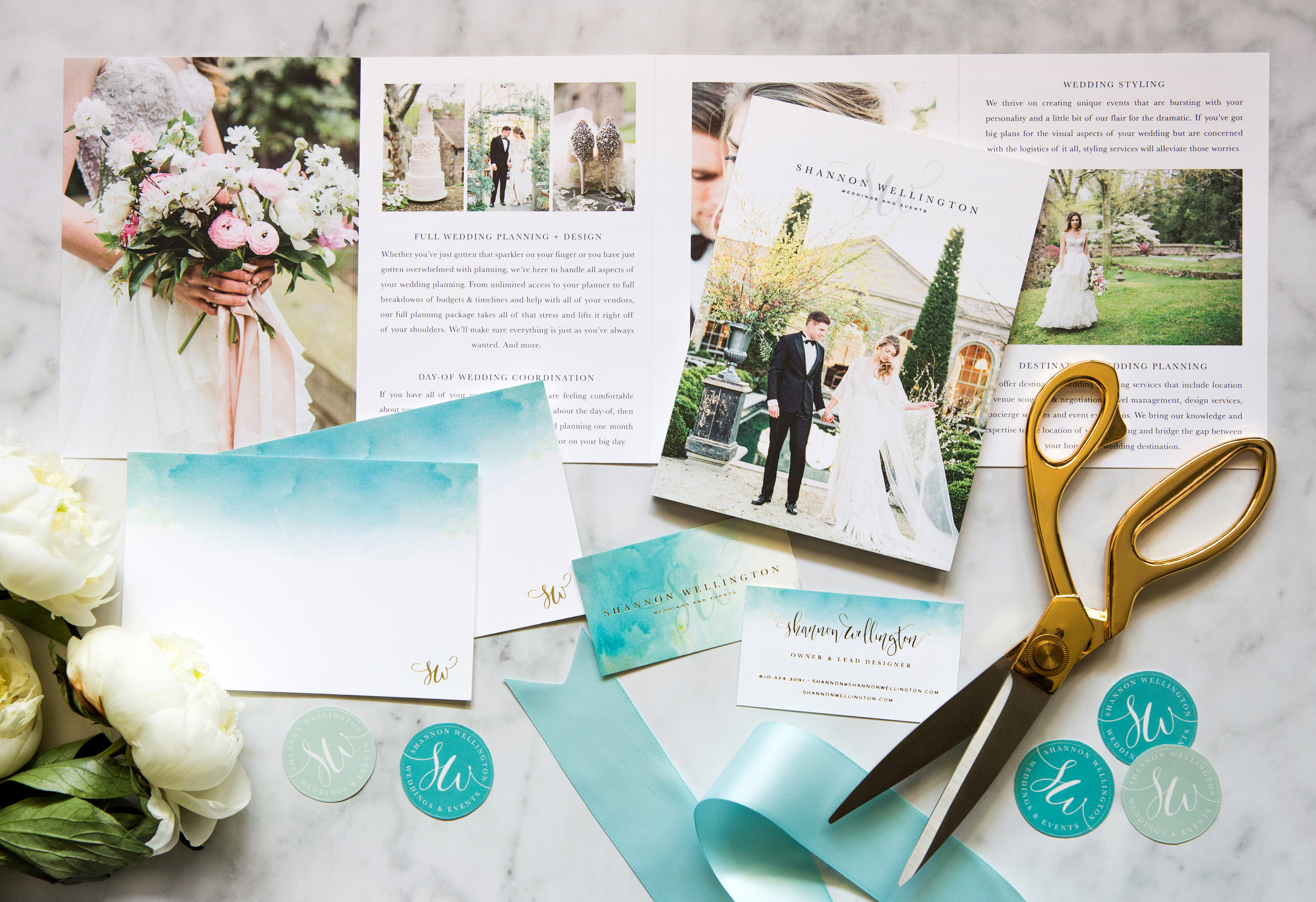 02_Shannon-Wellington-Weddings-Gold-Foil-Watercolor-Brand-Identity-Stationery-Collateral.jpg