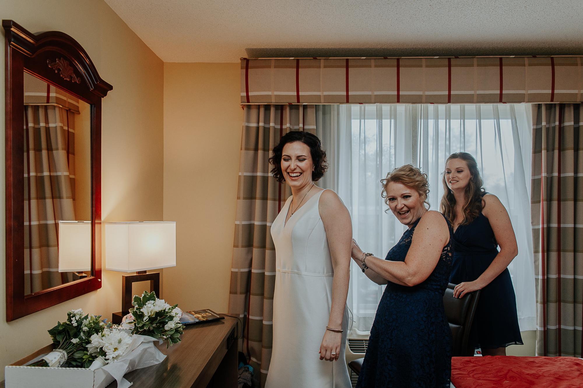 021-annapolis_courthouse_wedding.jpg