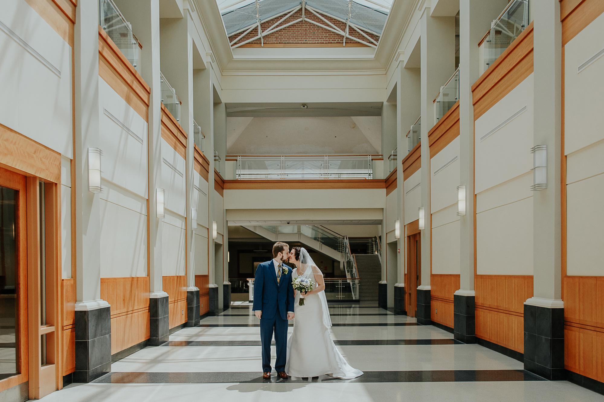 040-annapolis_courthouse_wedding.jpg