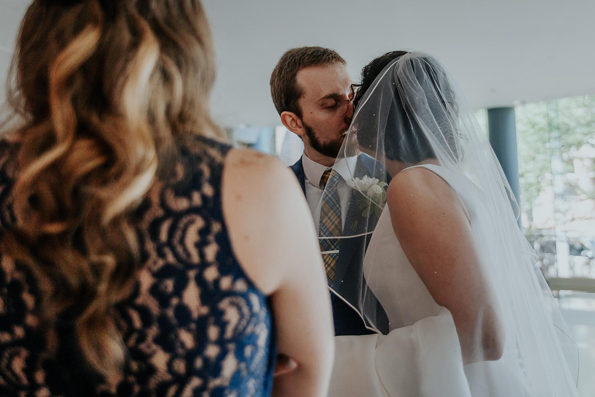 043-annapolis_courthouse_wedding.jpg