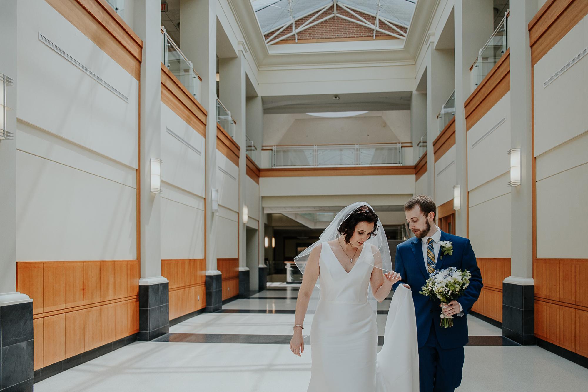 042-annapolis_courthouse_wedding.jpg