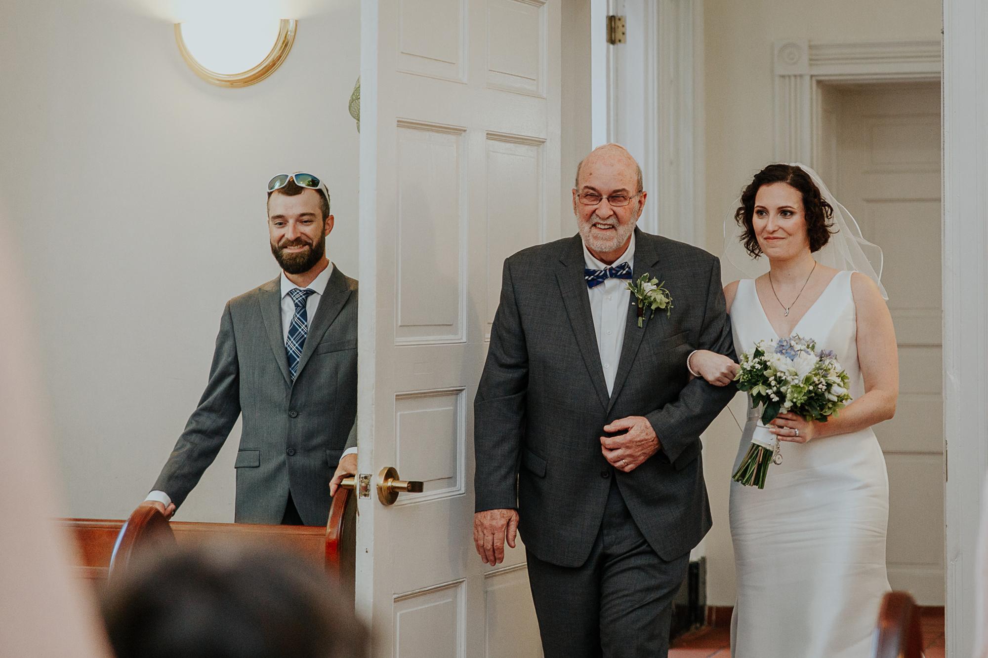 053-annapolis_courthouse_wedding.jpg