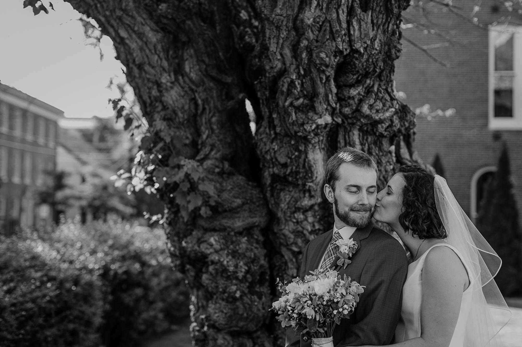 069-annapolis_courthouse_wedding.jpg