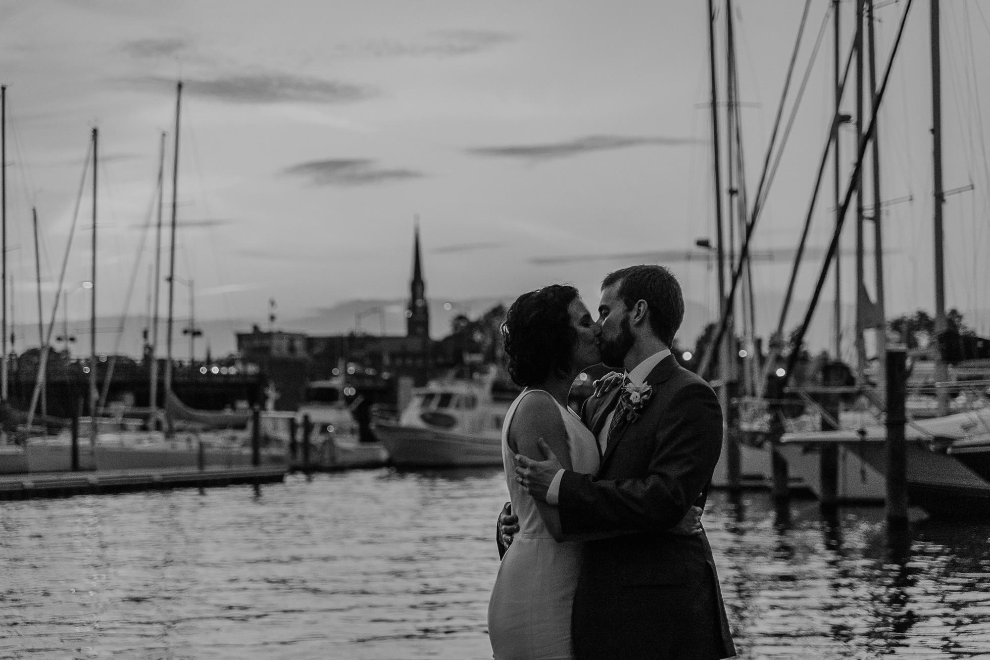 101-annapolis_courthouse_wedding.jpg