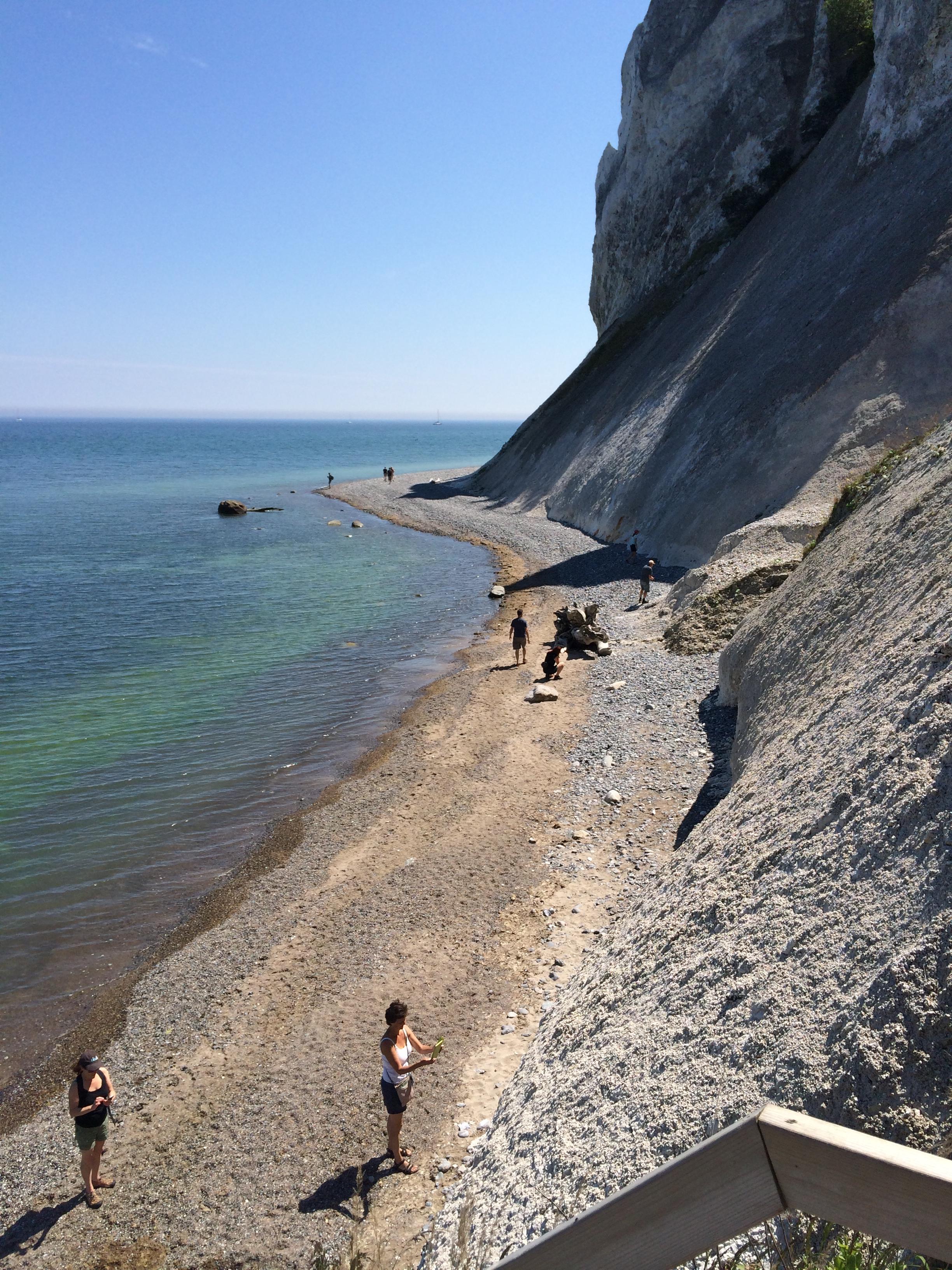 Mon_s cliff.jpg