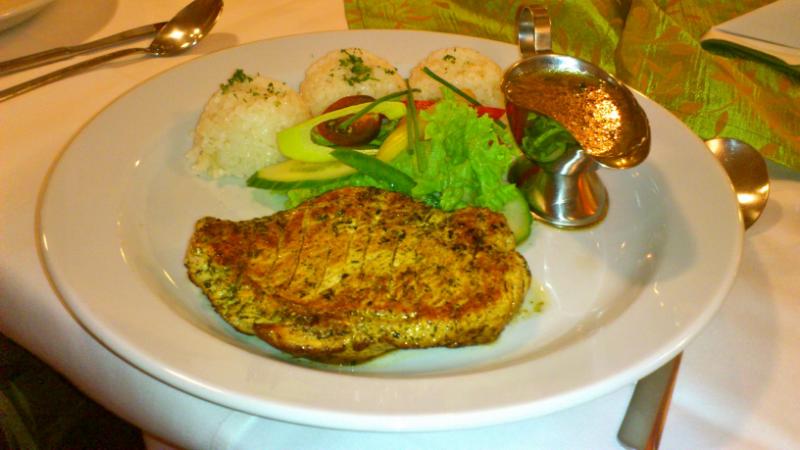 Morčací steak s cesnakovou omáčkou.