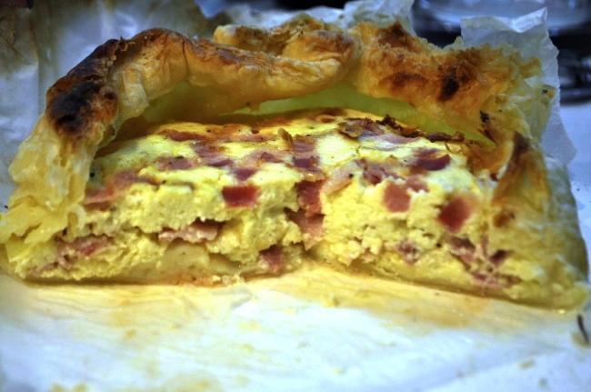 Bryndzový slaninový koláč