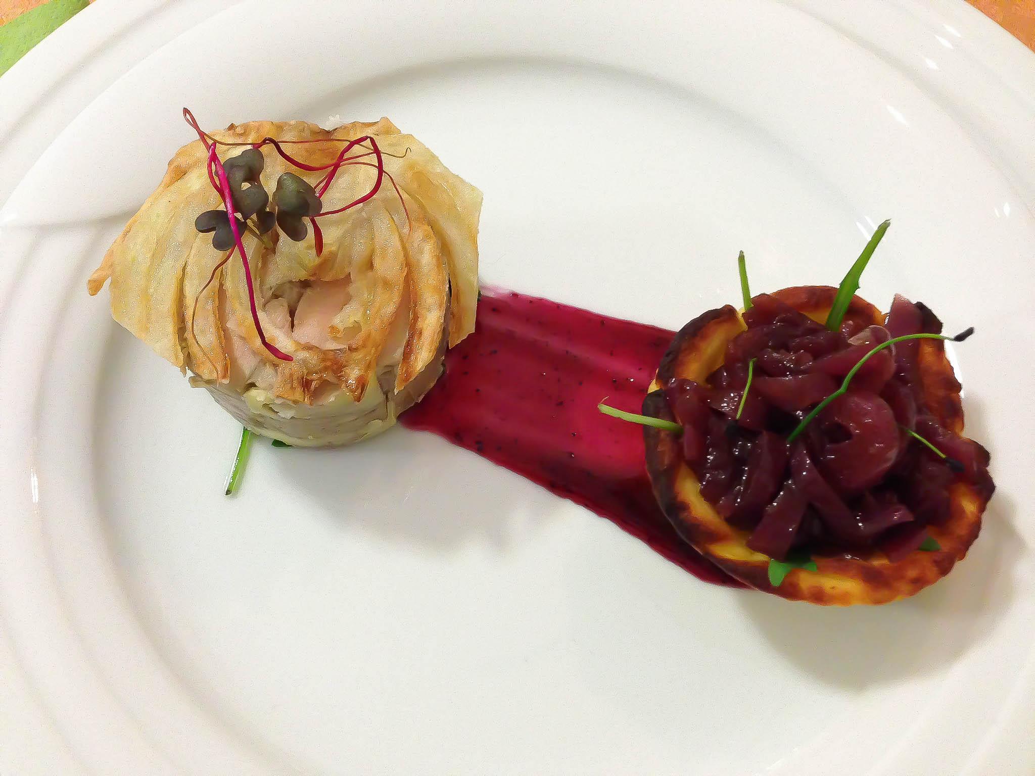 Foie Gras De Canard s feniklovým čipsom a cibuľovým chutney
