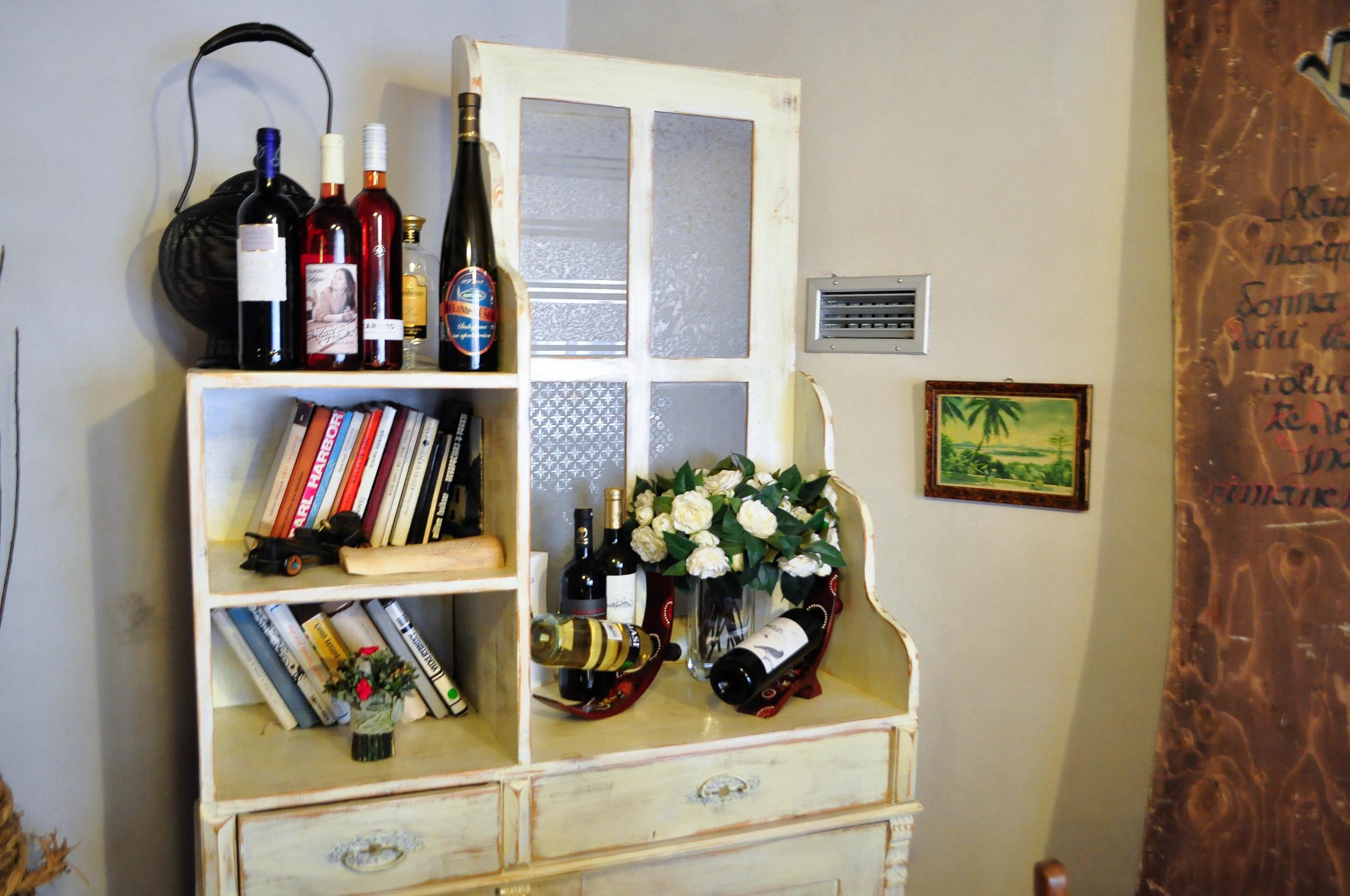Zákazníci tu víno nielen pijú, ale aj nechávajú :)