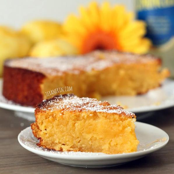 Biela Caprese torta