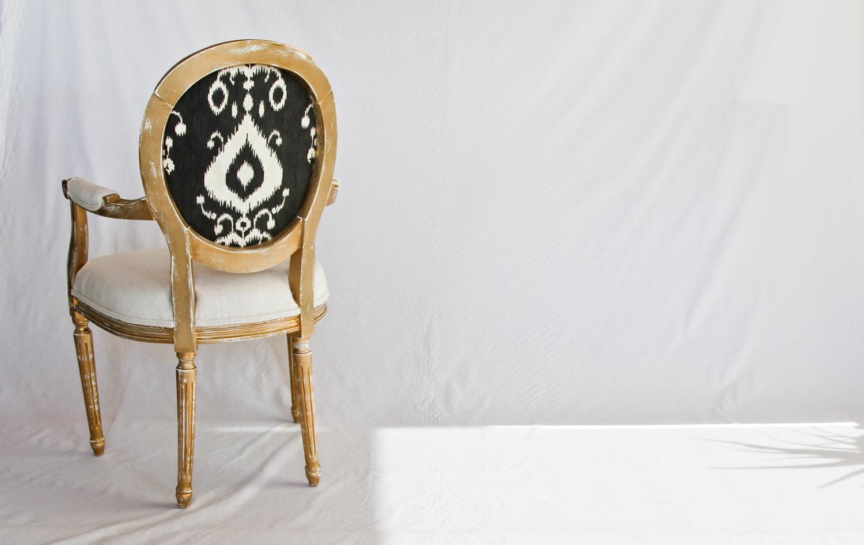 goldchairback.jpg