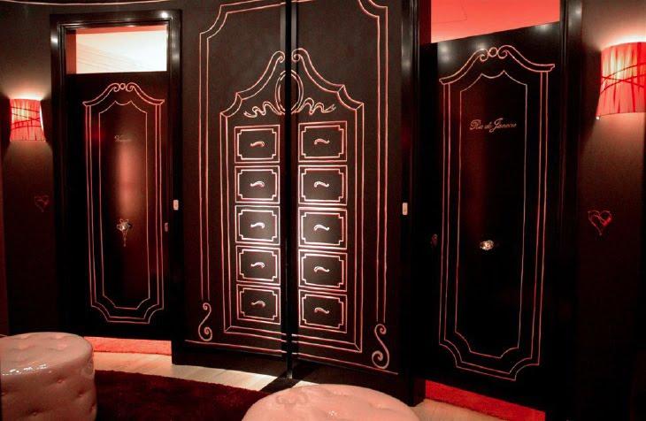 Victoria's Secret: interior decorative painting
