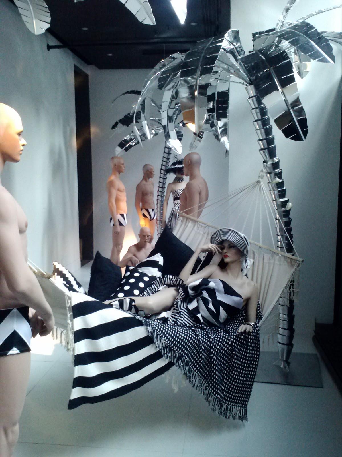 Rootstein: Showroom.