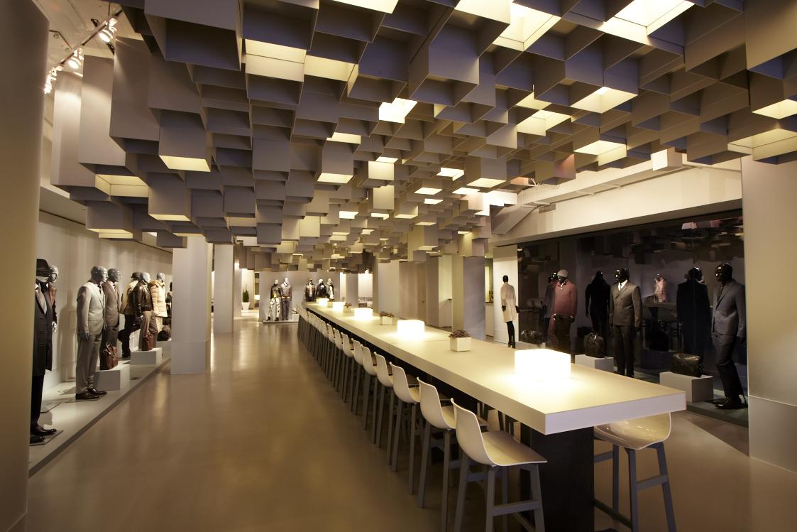 Hugo Boss: showroom.