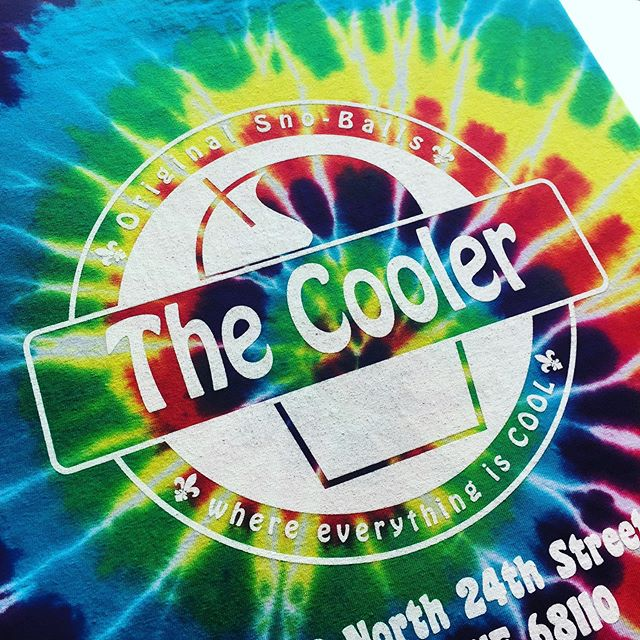 What's cooler than being cool?! Snow cones at @coolersno !!! #createquality  #tiedye  #TheDifferenceIsInTheIce #omaha