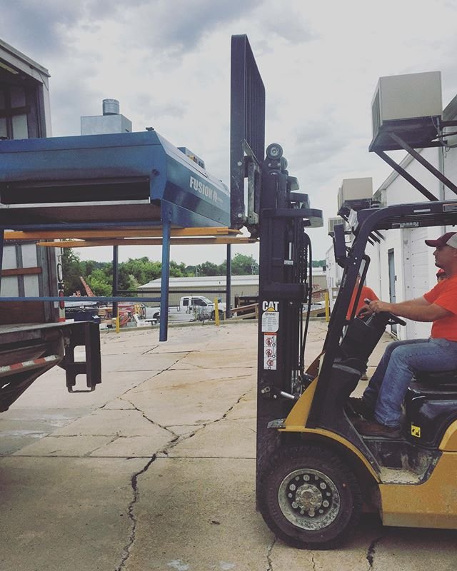 Huge thank you to the guys at Commonwealth Electric for the fork lift assistance during our move the other day, we would have been stuck on the truck without you. So the moral of the story is, when moving heavy equipment, make proper arrangements and plan ahead accordingly. Or don't and just wing it and hope you have nice neighbors who you can trade beer with for favors 😄 #screenprinting  #omaha  #newlocation