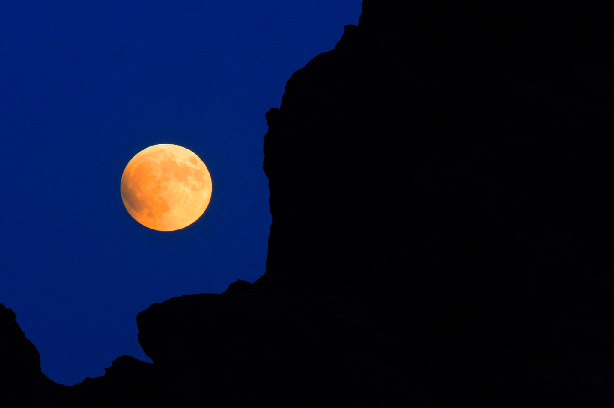 A rare supermoon eclipse took place over the Garden of the Gods Park in Colorado Springs, Colorado on Sunday, September 27, 2015.