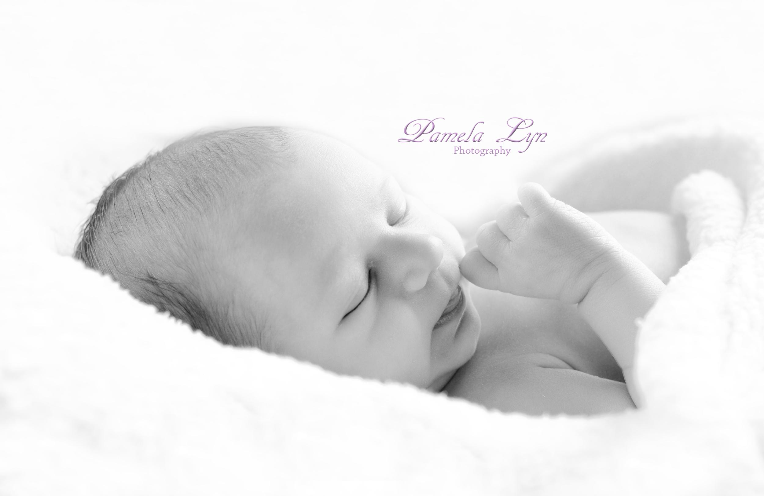 Bethel Park Newborn Photographer 01.jpg