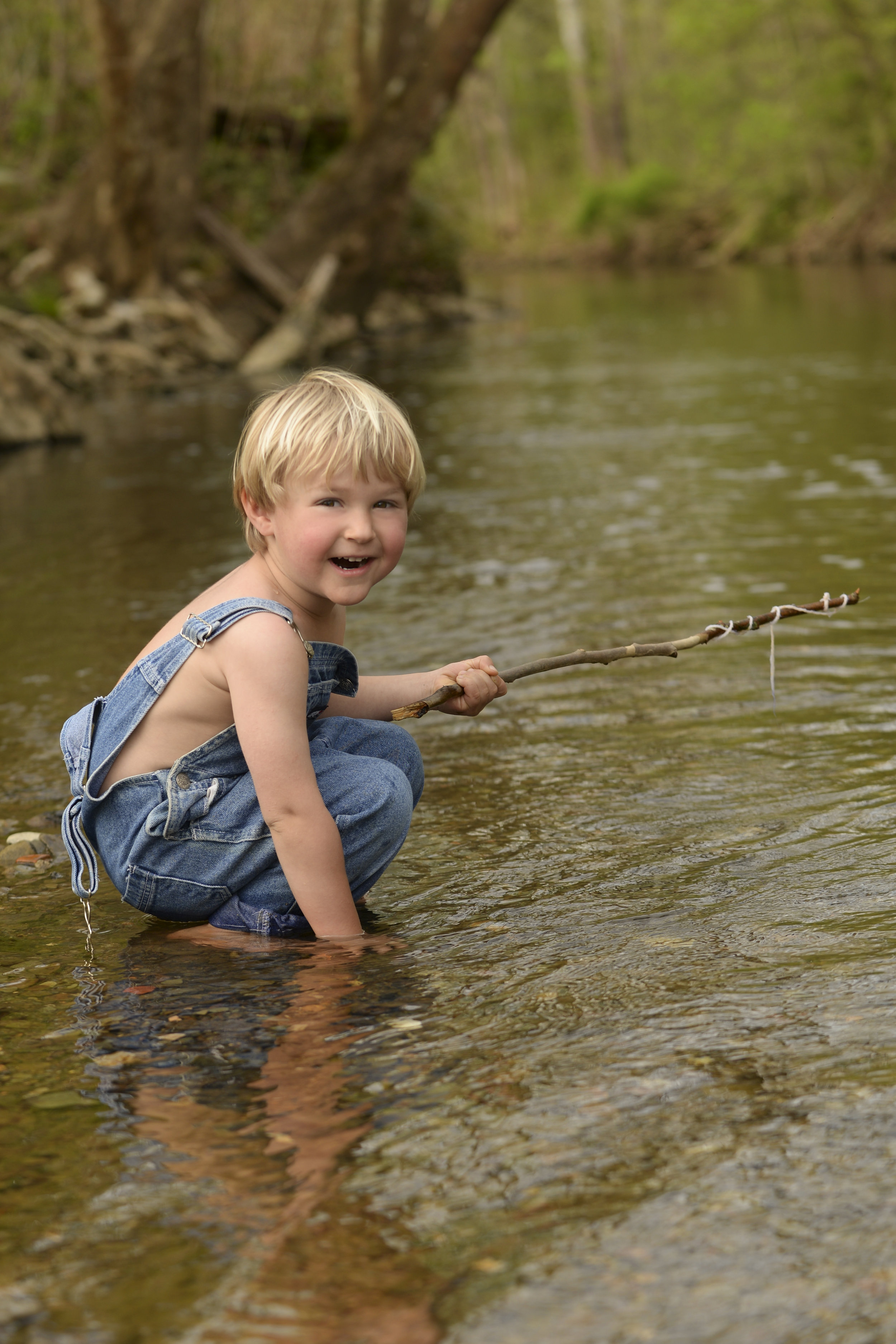 Huck Finn Sessions - perfect for parents looking to capture the un-posed and innocent moments of childhood!