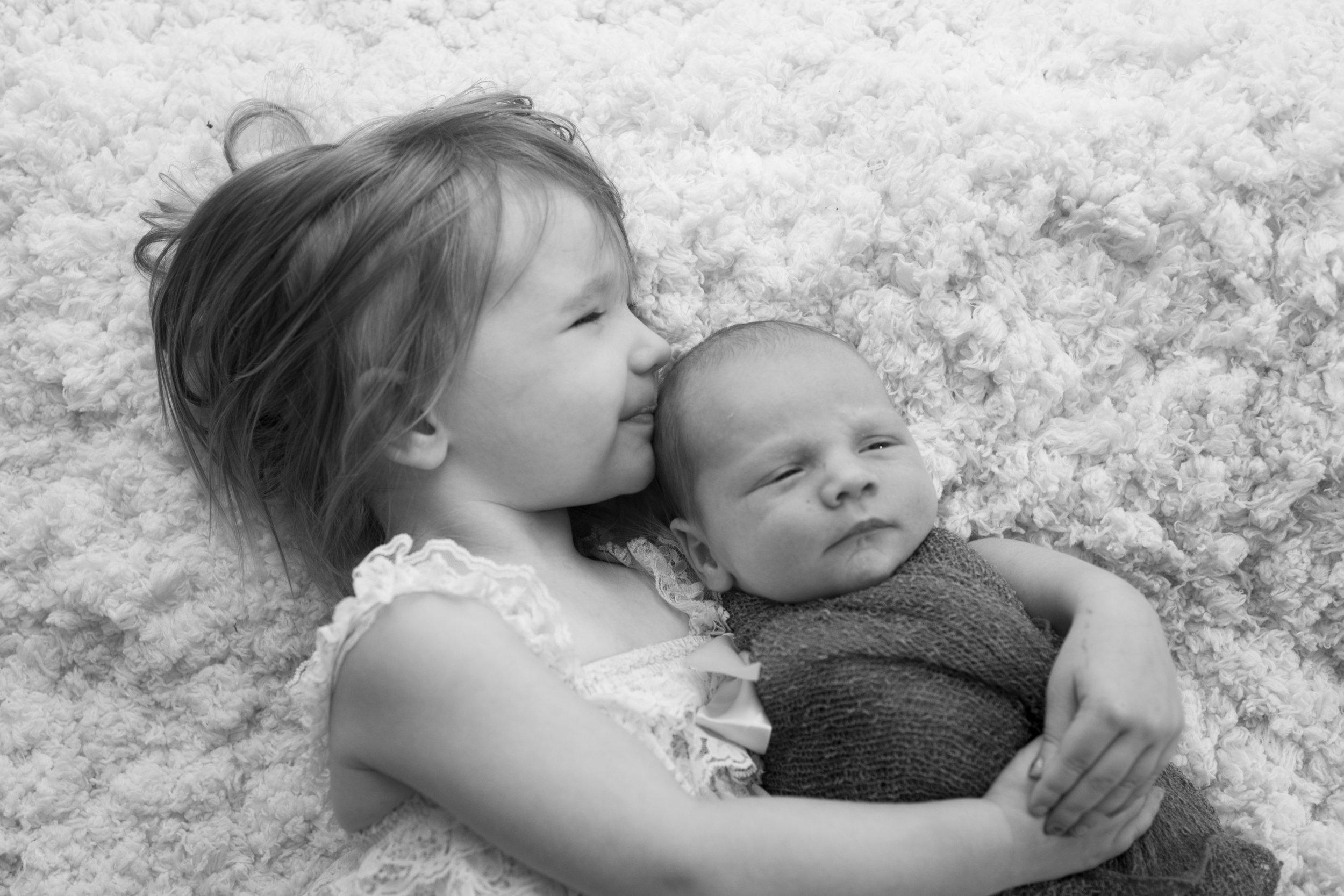 South Hills Pittsburgh's Best Newborn photographer (4).jpg