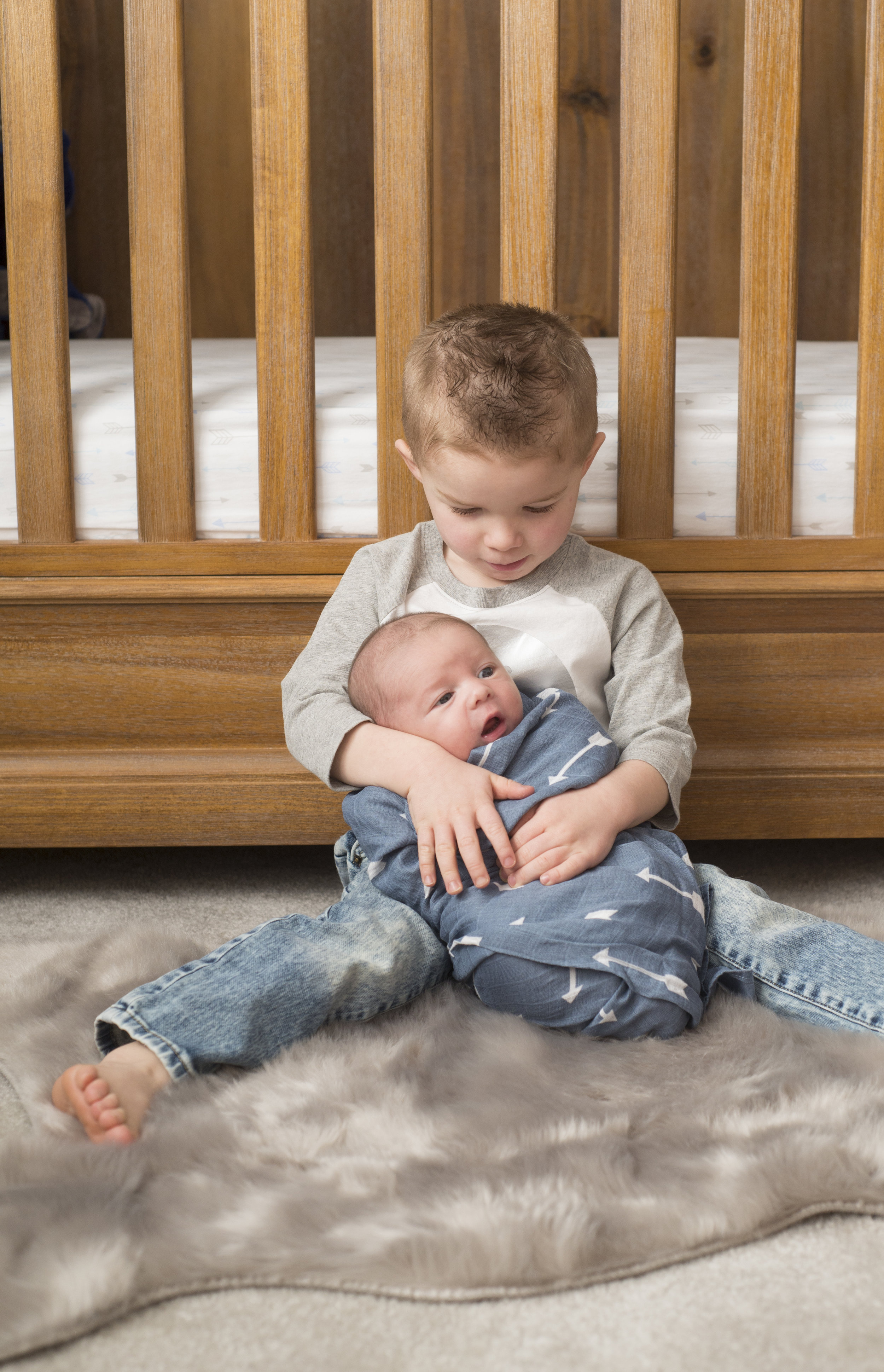 Pittsburgh Lifestyle Newborn Photography brother snuggles.jpg