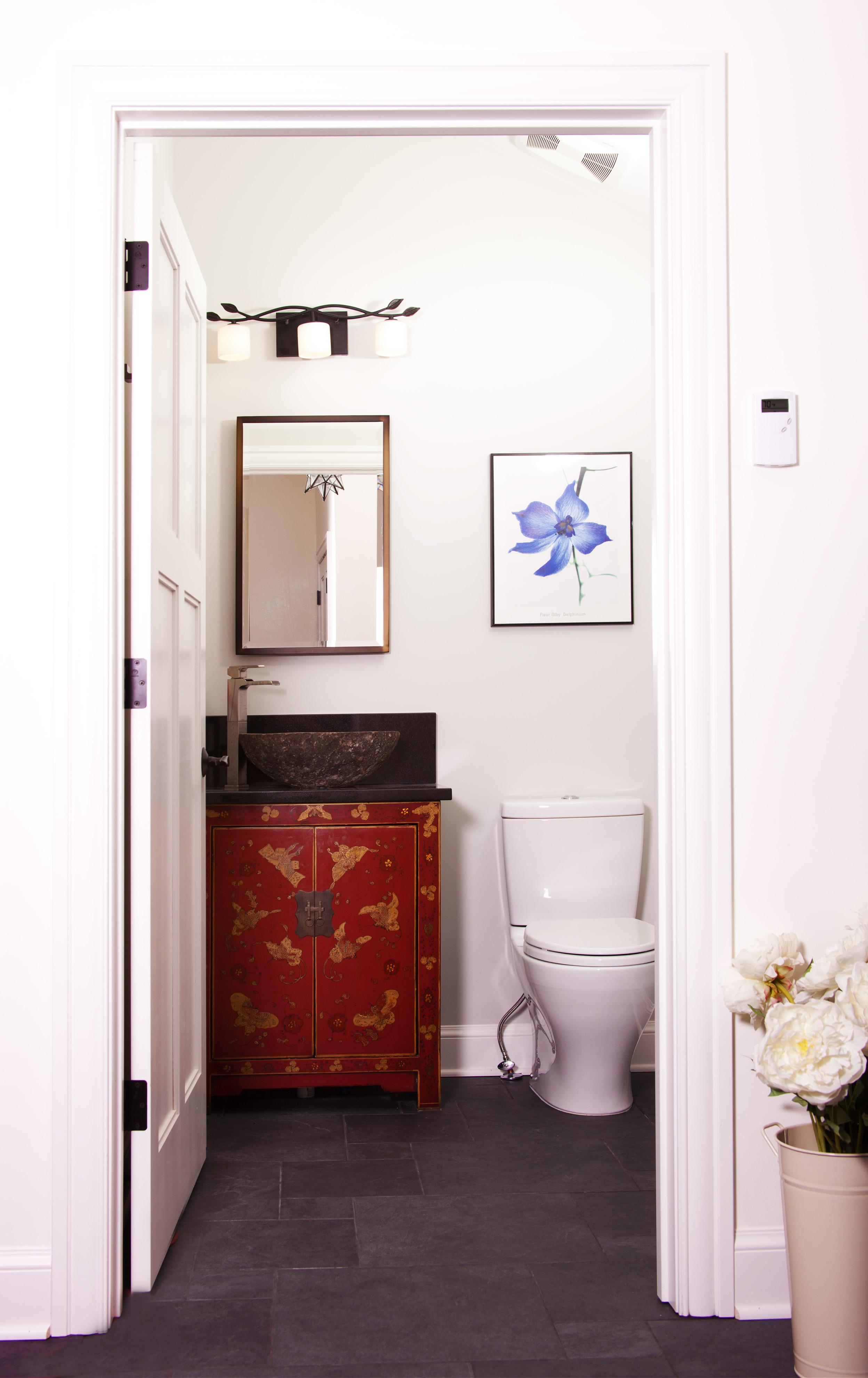 Baer House - bathroom-043.jpg