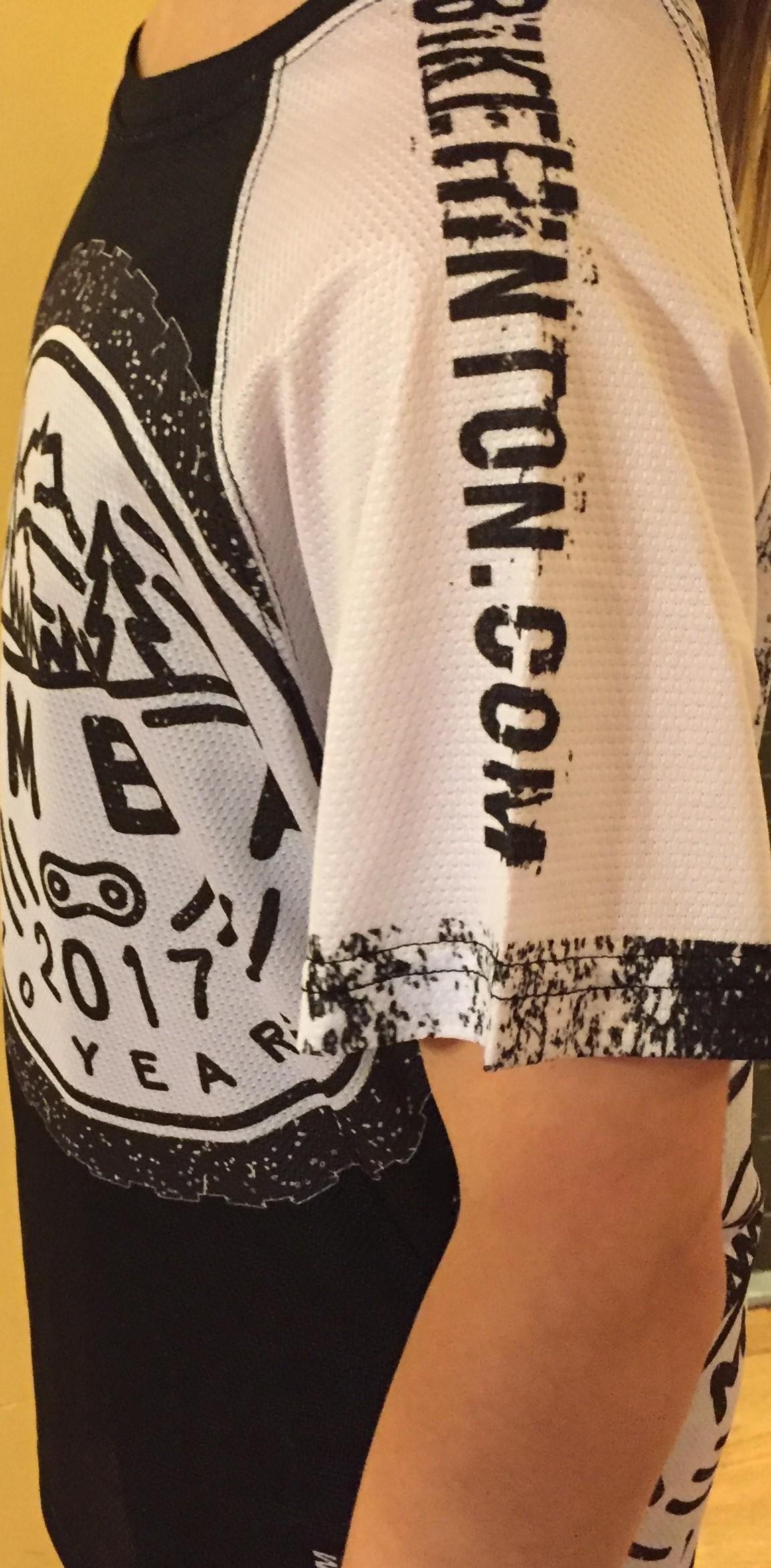 left sleeve (bikehinton.com)