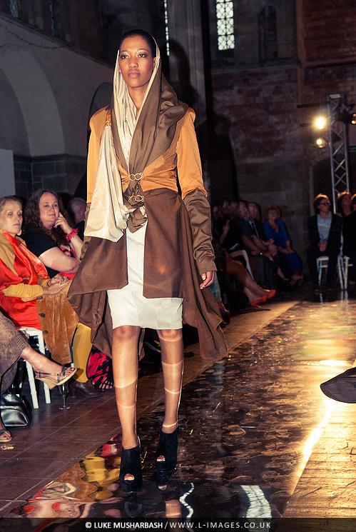 LCA_Fashion_Show_23.jpg