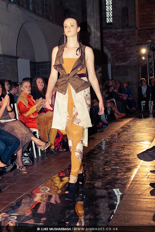 LCA_Fashion_Show_24.jpg