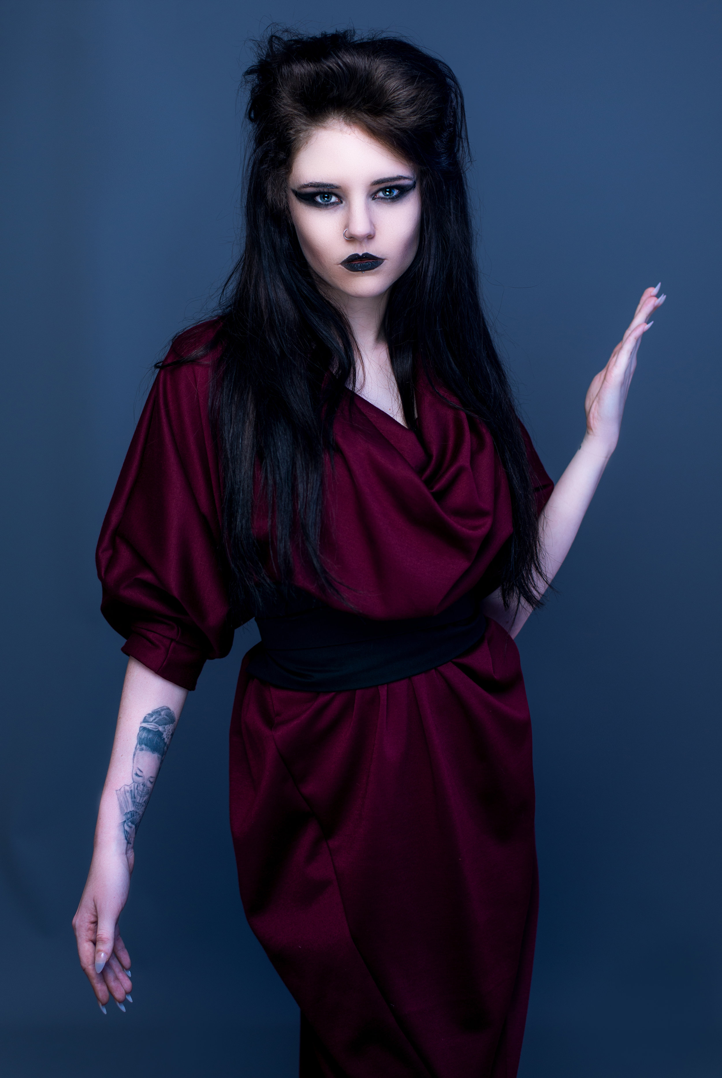 zaramia-ava-zaramiaava-leeds-fashion-designer-ethical-sustainable-tailored-minimalist-aya-burgundy-black-obi-belt-dress-versatile-drape-cowl-styling-studio-womenswear-models-photoshoot-vibrant-16