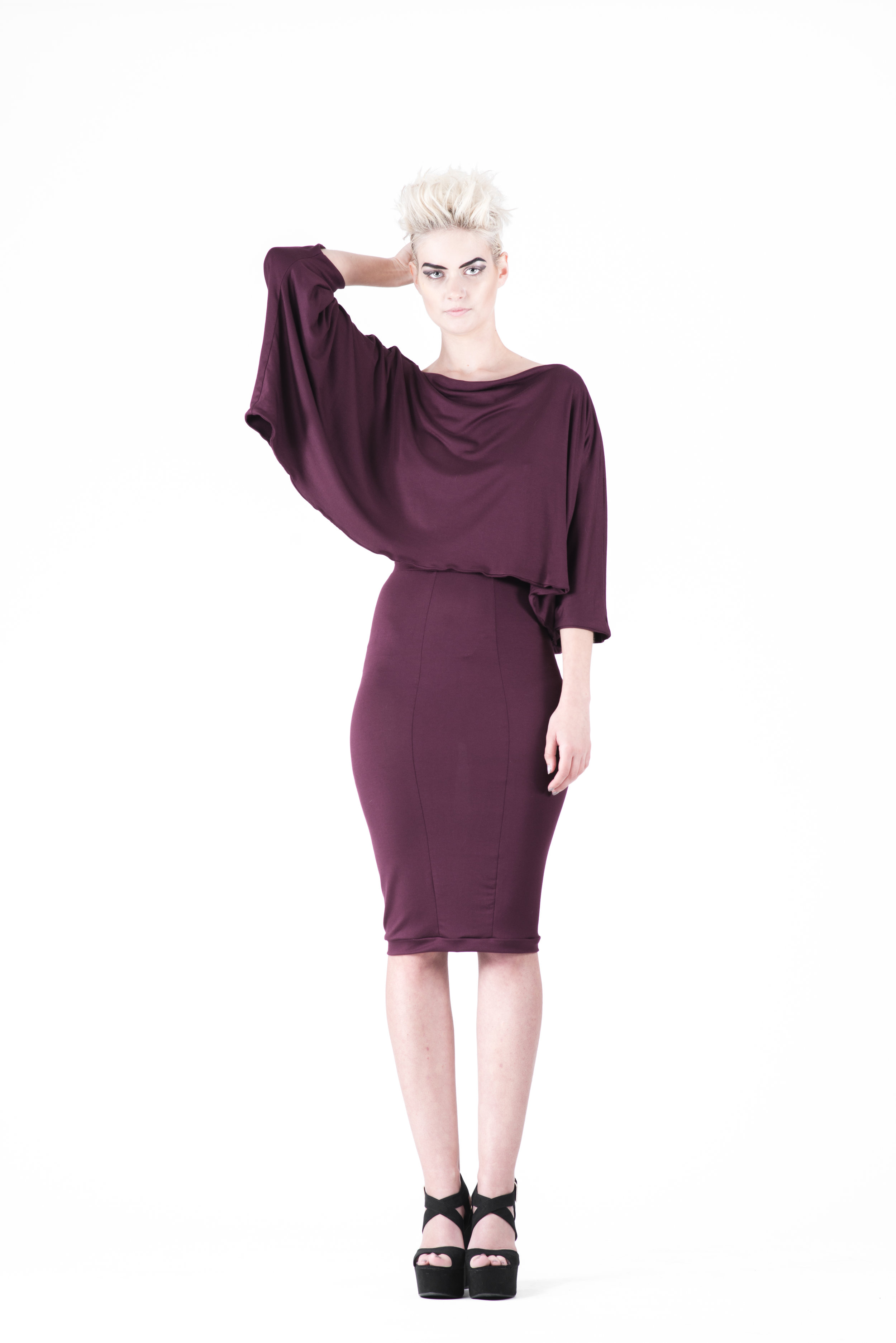 zaramia-ava-zaramiaava-leeds-fashion-designer-ethical-sustainable-tailored-minimalist-mika-plum-top-yuko-plum-versatile-drape-cowl-styling-womenswear-models-photoshoot-10