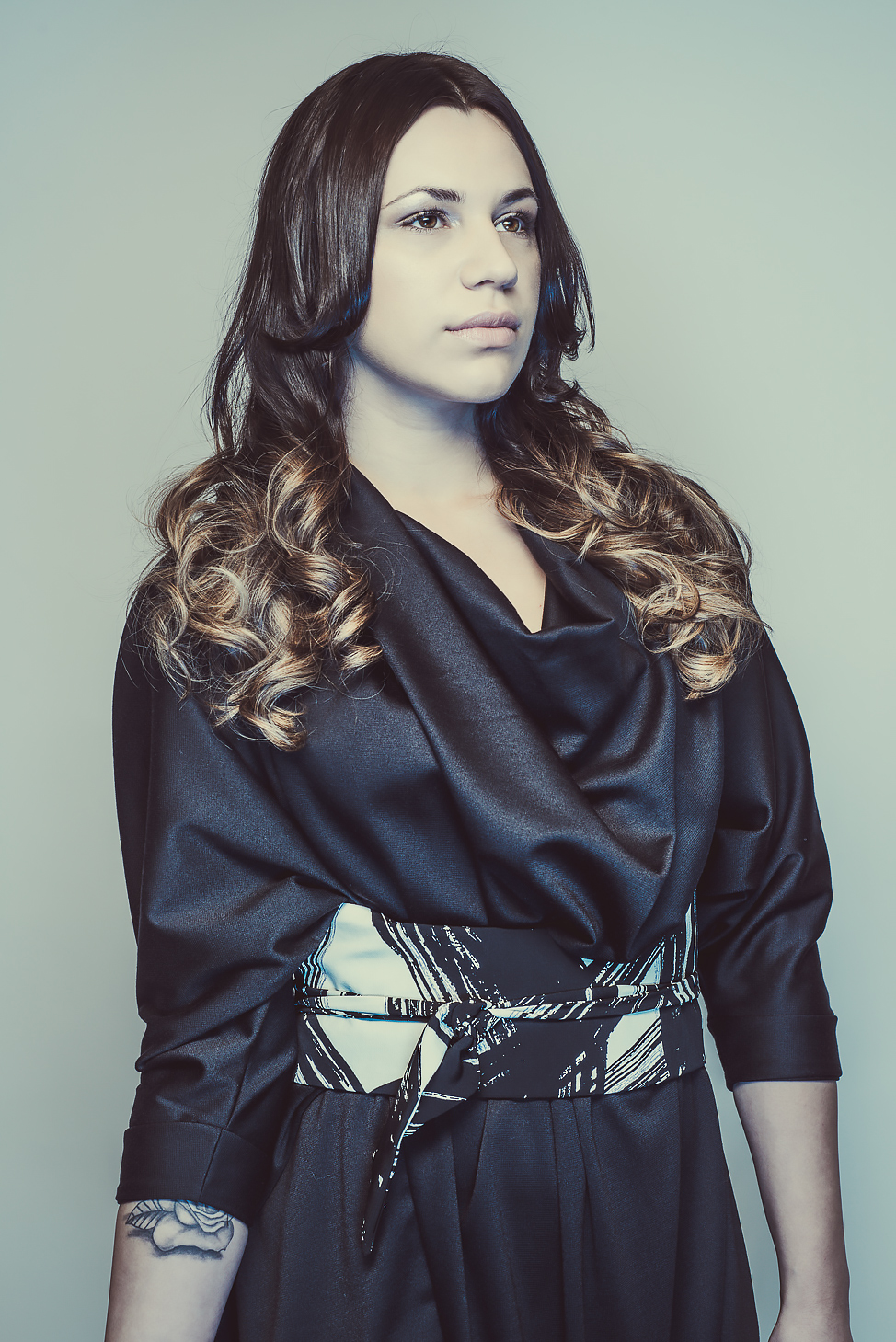 zaramia-ava-zaramiaava-leeds-fashion-designer-ethical-sustainable-tailored-minimalist-aya-print-dress-obi-belt-black-versatile-drape-cowl-styling-womenswear-models-photoshoot-shrine-hairdressers-15
