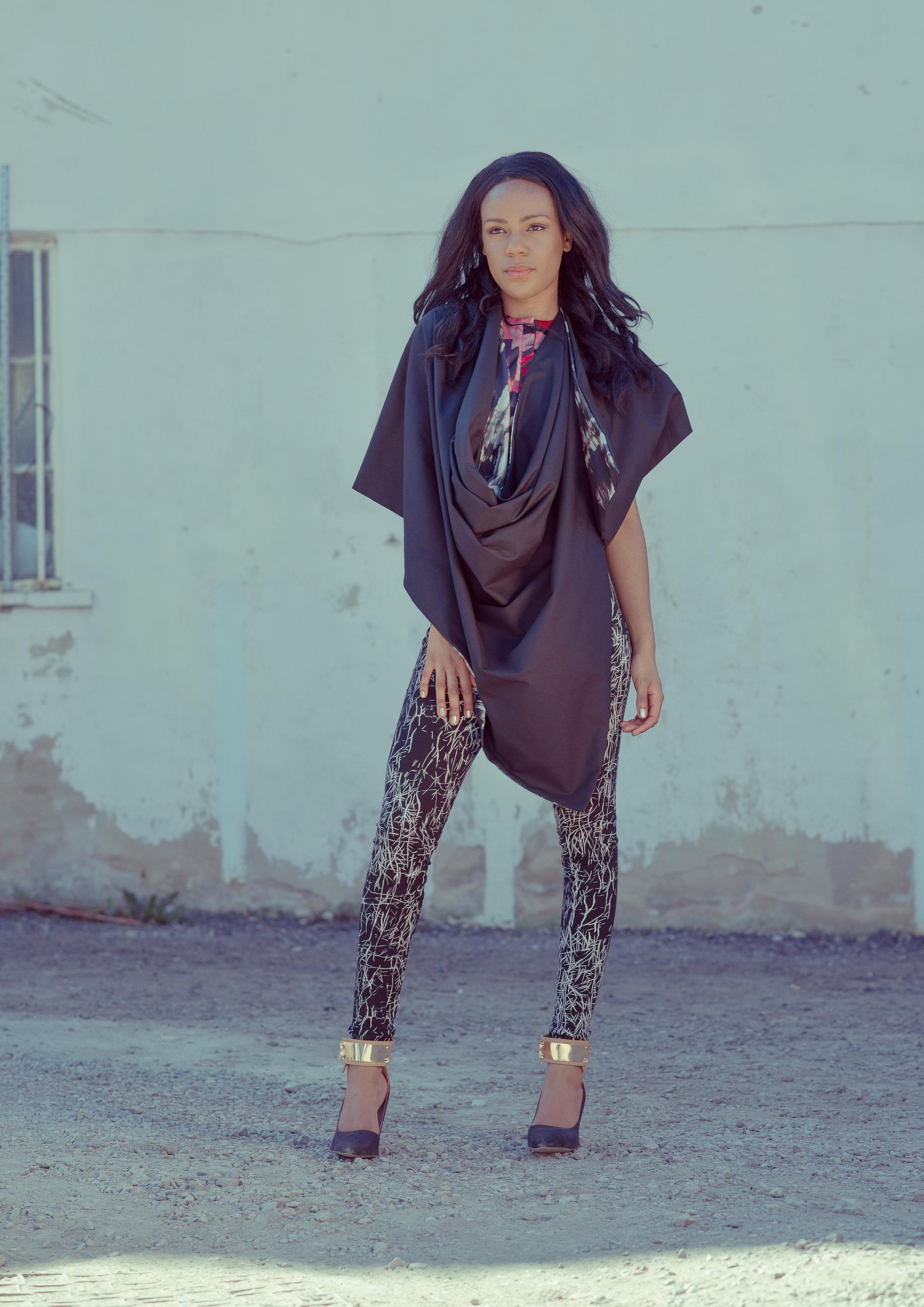 zaramia-ava-zaramiaava-leeds-fashion-designer-ethical-sustainable-tailored-minimalist-cape-grey-black-print-rei-leggigs-black-jacket-belt-point-skirt-versatile-drape-cowl-styling-womenswear-models--9