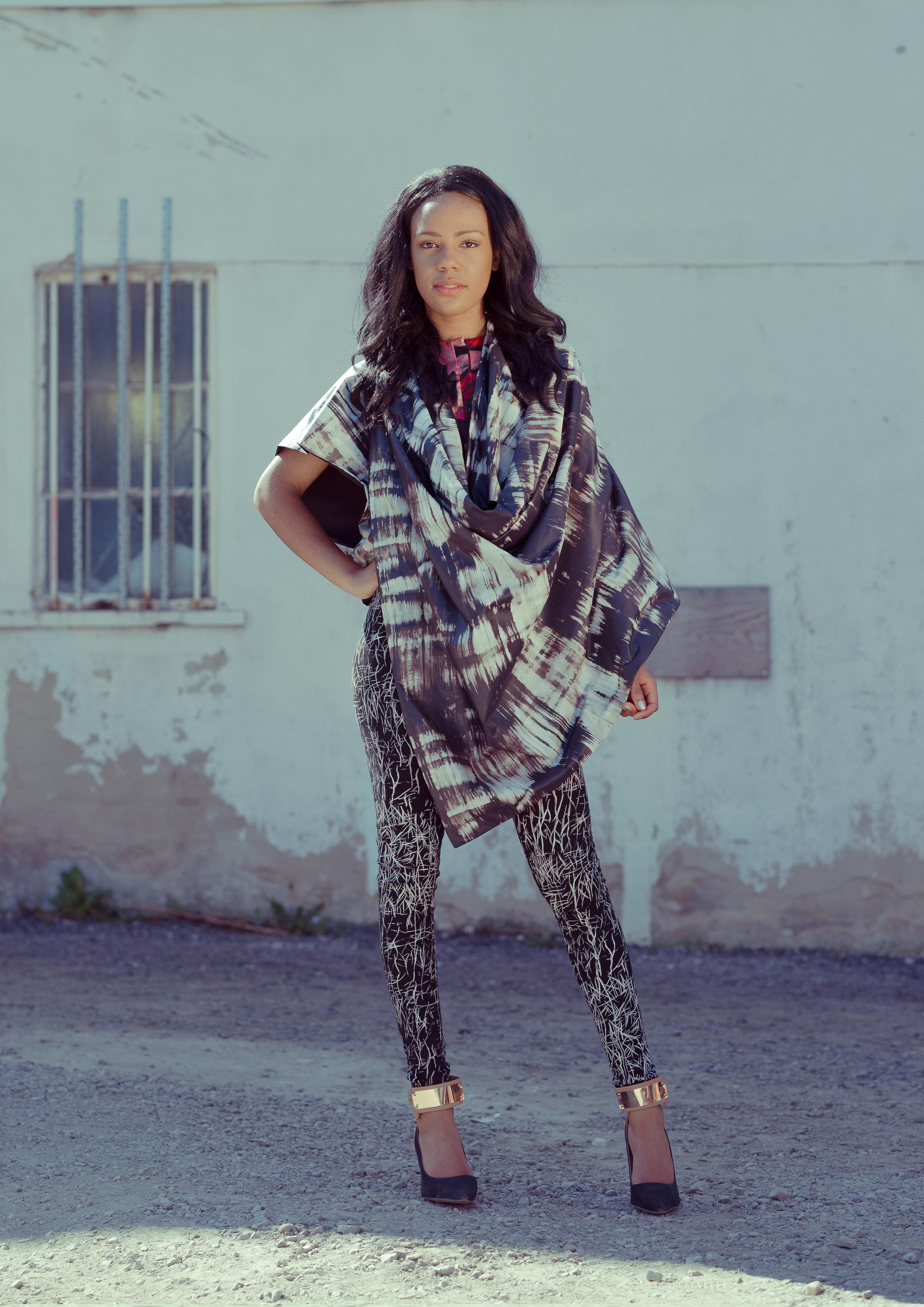 zaramia-ava-zaramiaava-leeds-fashion-designer-ethical-sustainable-tailored-minimalist-cape-grey-black-print-rei-leggigs-black-jacket-belt-point-skirt-versatile-drape-cowl-styling-womenswear-models-10