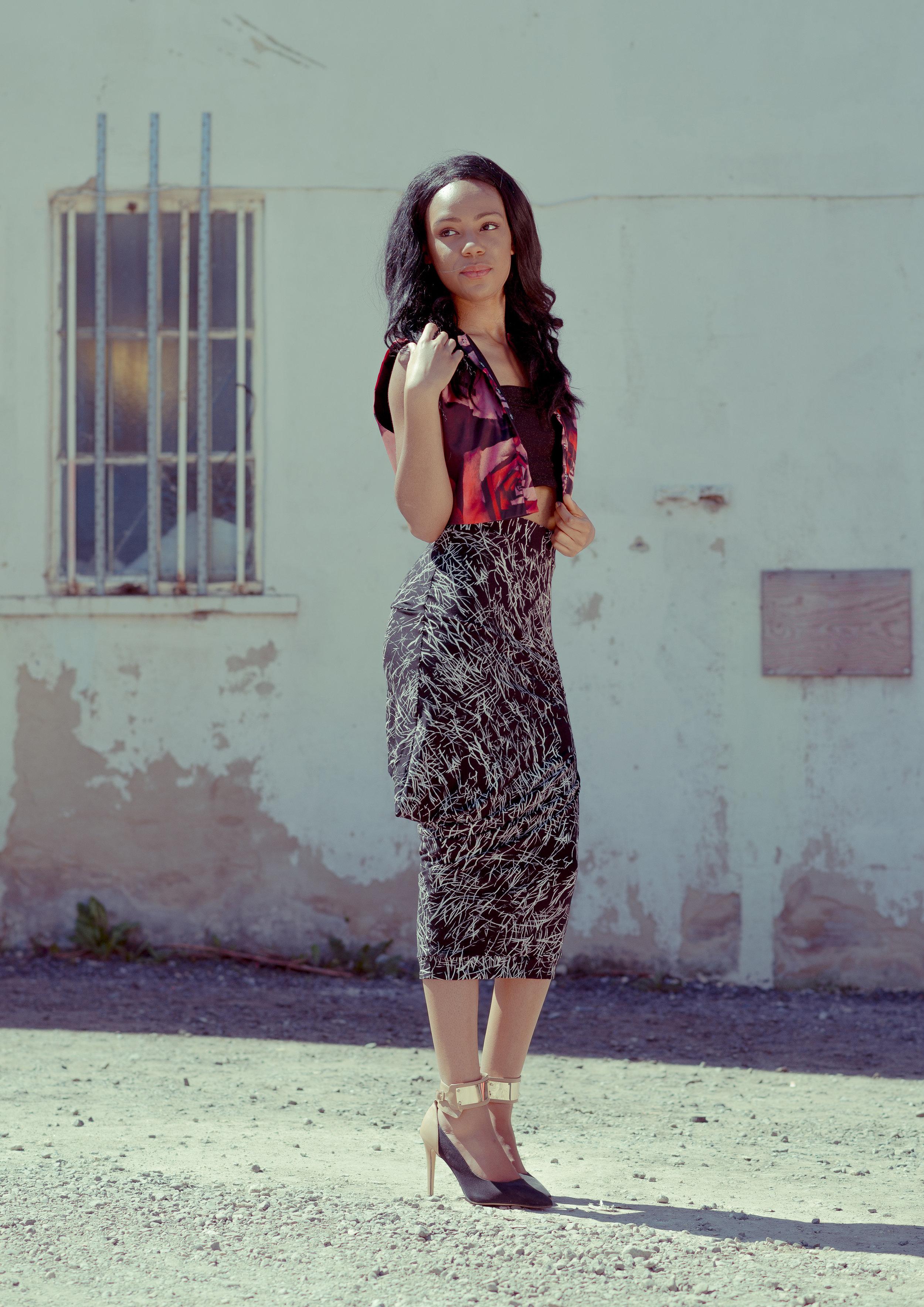 zaramia-ava-zaramiaava-leeds-fashion-designer-ethical-sustainable-tailored-minimalist-crop-top-black-print-point-skirt-black-jacket-belt-versatile-drape-cowl-styling-womenswear-models-12