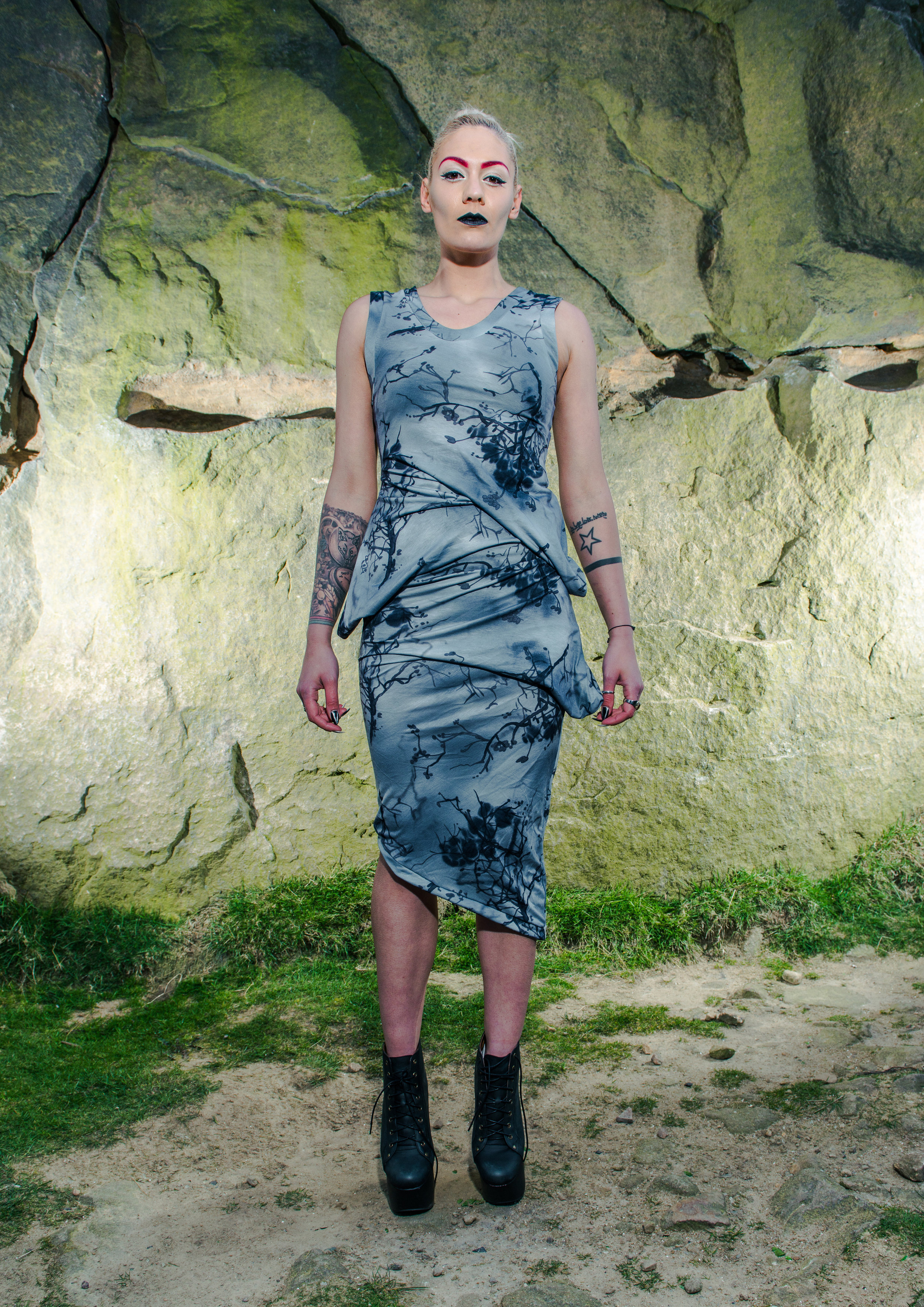 zaramia-ava-zaramiaava-leeds-fashion-designer-ethical-sustainable-tailored-minimalist-grey-print-fitted-point-dress-maxi-skirt-versatile-drape-cowl-styling-womenswear-models-photoshoot-location-27