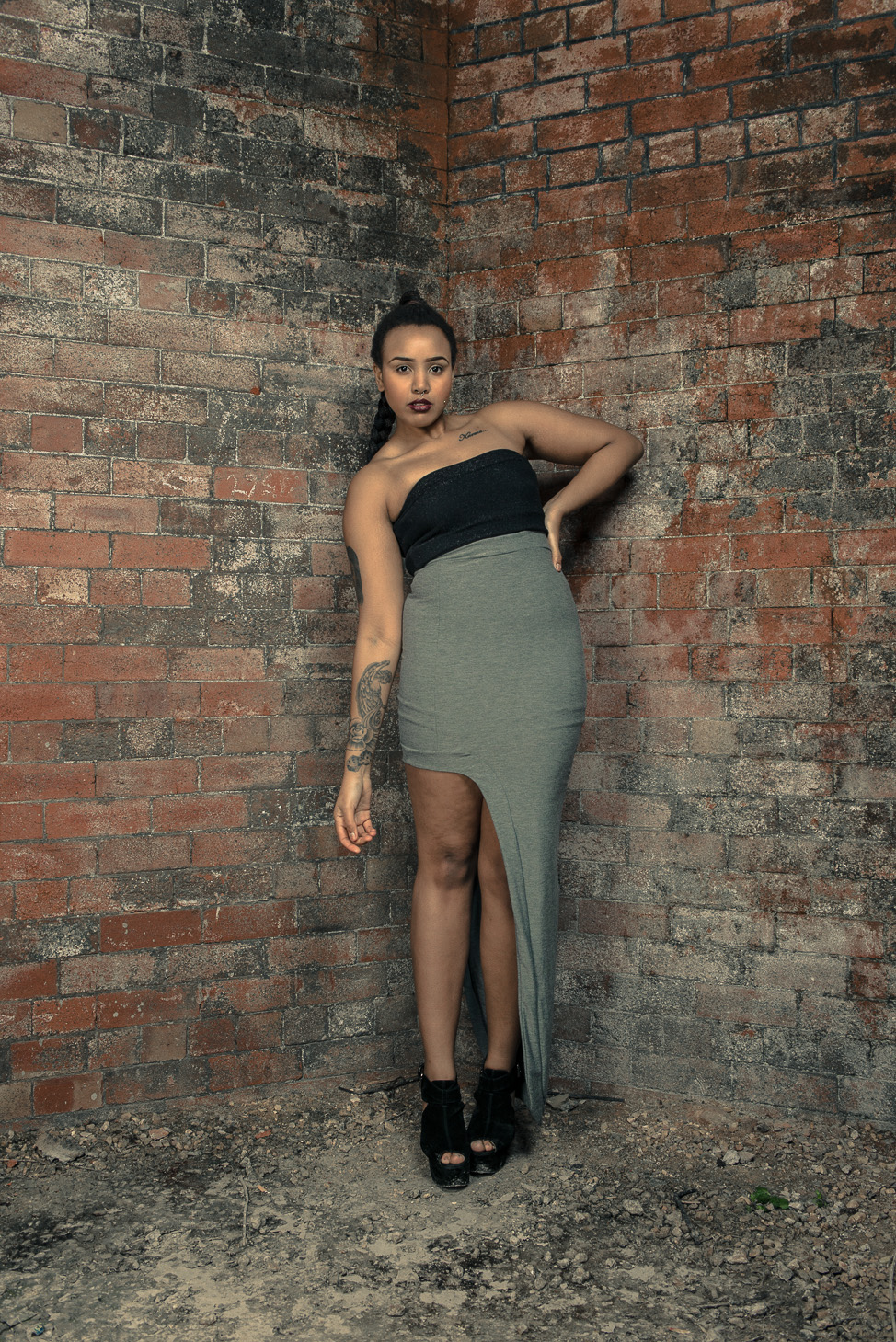 zaramia-ava-zaramiaava-leeds-fashion-designer-ethical-sustainable-tailored-minimalist-skirt-bandeau-maxi-versatile-drape-grey-bodysuit-black-obi-belt-wrap-cowl-styling-womenswear-models-photoshoot-30