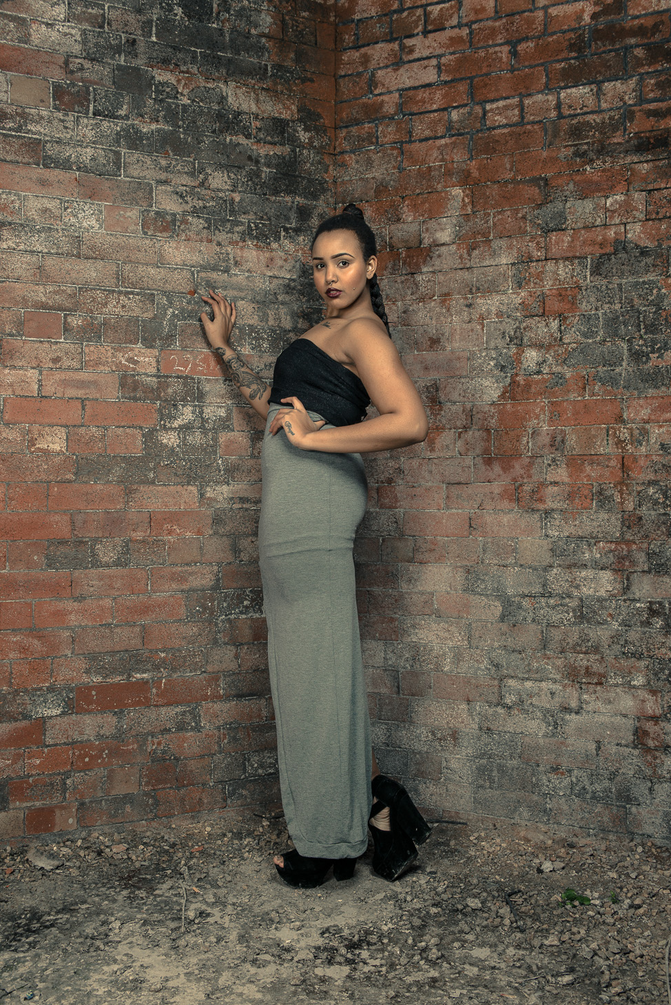 zaramia-ava-zaramiaava-leeds-fashion-designer-ethical-sustainable-tailored-minimalist-skirt-bandeau-maxi-versatile-drape-grey-bodysuit-black-obi-belt-wrap-cowl-styling-womenswear-models-photoshoot-31